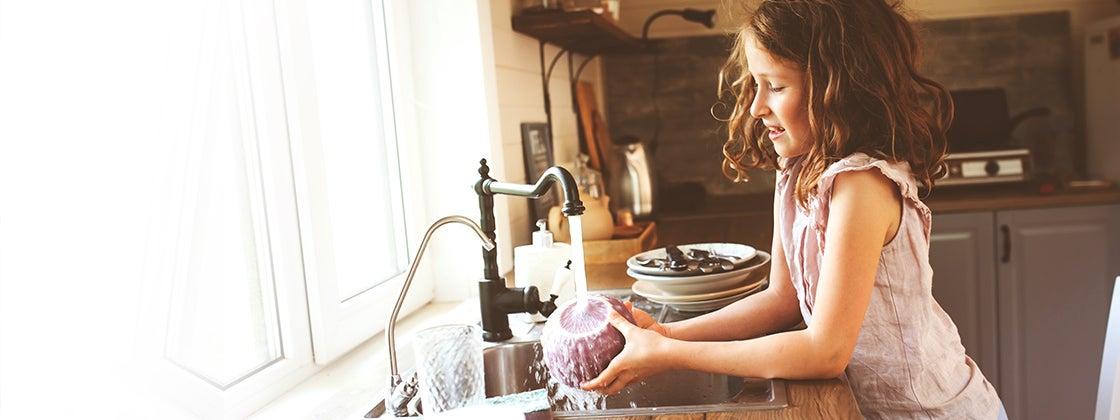 Lavar los platos para moverse más