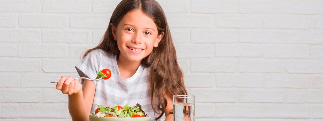 Promueve una buena alimentación en los niños